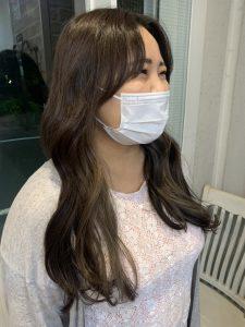 《韓国風前髪×インナーカラー》
