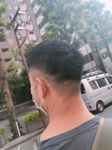《男性の髪型はどの角度から見てもカッコ良く(*^^)v♪**》